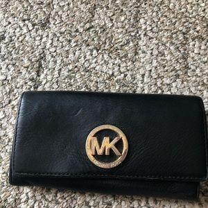 Pre owned Michael kors wallet